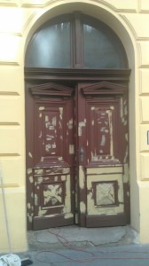 Restaurování a natírání dveří