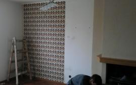 Ukázka tapetování stěny vliesovou tapetou